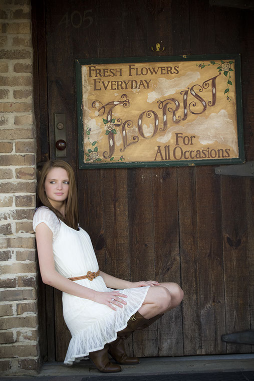 Senior portrait photography in Northport, Alabama.