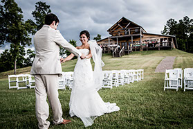Wedding photography at Timber Valley Lodge in Tuscaloosa, Alabama.
